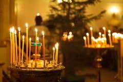 Bougies dans une église Photographie stock