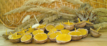 Bougies de cire d'abeille Images stock
