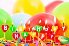 Bougies de joyeux anniversaire Photographie stock libre de droits