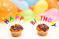 Bougies de lettre de joyeux anniversaire photo stock