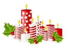 Bougies de Noël avec des baies de houx illustration stock