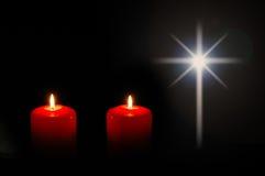 Bougies de Noël avec l'étoile Photographie stock libre de droits