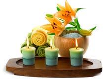 Bougies et accessoires de station thermale Photographie stock libre de droits