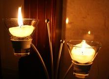 Bougies et chandelier. Photo stock