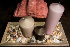 Bougies et concept de serviettes de station thermale et de relaxation images libres de droits