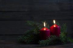 Bougies et lumières de Noël Image stock