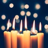 Bougies et lumières de Noël photos stock