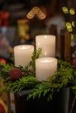 Bougies et lumières de Noël Photographie stock libre de droits