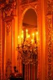 Bougies et miroir chez Polesden de dentelle, Angleterre Image libre de droits