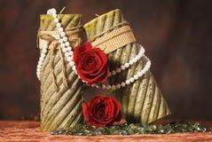 Bougies et roses de Valentine Photos libres de droits