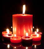 Bougies rouges - grandes et petites Image stock