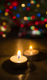 Bougies sur les lumières de fond, bokeh Photographie stock
