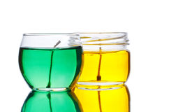 Bougies vertes et jaunes de gel Image libre de droits