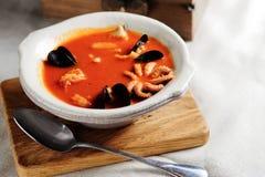 Bouillabaisse, французский суп рыб стоковая фотография