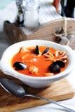 Bouillabaisse, sopa francesa de los pescados Imagen de archivo libre de regalías