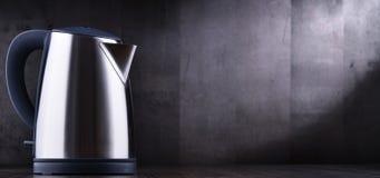 Bouilloire sans fil électrique d'acier inoxydable d'une capacité de litre photos stock