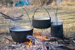 Bouilloires dans l'incendie Photo libre de droits