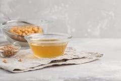 Bouillon de pois chiche - aquafaba Remplacez l'oeuf dans la cuisson pour le recip de vegan photo stock