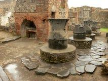 Boulangerie antique à Pompeii en Italie photos stock