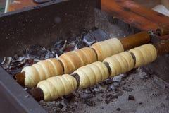 Boulangerie de Trdelnik sur le marché en plein air Images libres de droits