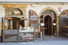 Boulangerie de Trdelnik sur le marché en plein air Photographie stock