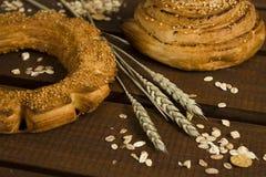 Boulangerie et oreilles de blé Photos stock