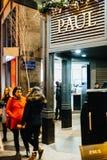 Boulangerie-Konditorei Paul in Frankreich-Stadt während des Weihnachten Stockfoto