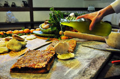 Boulangerie sicilienne Pizza traditionnelle de tomate de sfincione Photo libre de droits