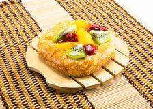 Boulangerie sur le plat en bois Photos libres de droits