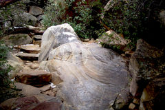 Boulder au canyon rouge Photos libres de droits
