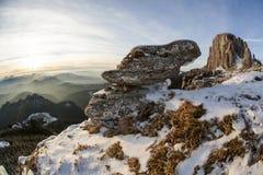 Boulder in den Bergen Stockfotografie