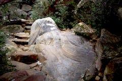 Boulder en el barranco rojo Fotos de archivo libres de regalías