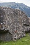 Boulderfels με την άδικη βοήθεια αναρρίχησης στοκ φωτογραφίες
