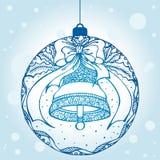 Boule décorative de Noël avec une cloche Photographie stock