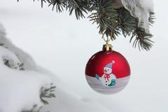 Boule d'arbre de Noël - photo courante Images stock