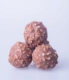 boule de chocolat ou bonbon de chocolat sur un fond Images libres de droits