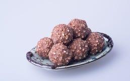 boule de chocolat ou bonbon de chocolat sur un fond Photo libre de droits