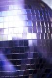 Boule de disco dans la boîte de nuit de partie de musique de maison d'Ibiza Image stock