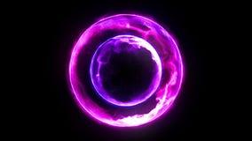 Boule de feu de plasma avec des flammes sur le fond noir belle lumi?re Lignes de lueur sous la forme de sphère Animation de boucl banque de vidéos