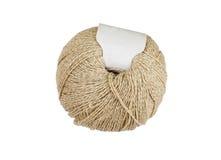 Boule de fil à tricoter beige Image stock