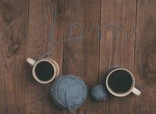 Boule de fil avec amour de ` de mot Image stock