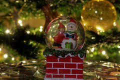 Boule de globe de neige de Noël Photo stock