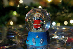 Boule de globe de neige de Noël Images stock
