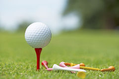 Boule de golf - image courante Image stock
