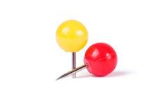 Boule de goupilles de dessin dans différentes couleurs Image stock