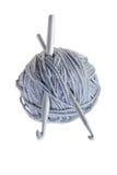 Boule de laine avec l'aiguille de tricotage Image libre de droits