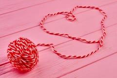 Boule de laine rouge de fil Images libres de droits