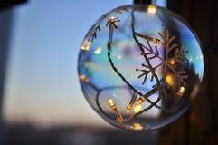 Boule de lampe de Noël, Stockholm, Suède images stock