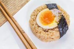 Boule de riz japonaise d'Onigiri de nourriture Image libre de droits