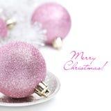 Boule rose de Noël et plan rapproché de tresse, d'isolement image stock